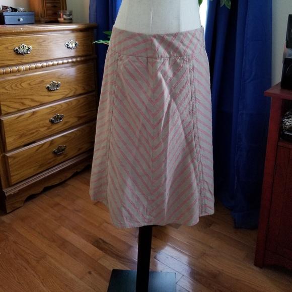 LOFT Dresses & Skirts - Womens LOFT knee length chevron skirt 10